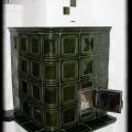 PV138 Pec originál sálavá bezroštová kachlice oliva vzor LP