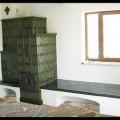 PV159 - Originál tradičná kachľová sálavá pec s lavicou. Realizácia Partizánske.